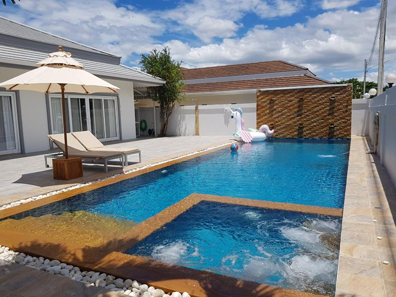 布尼尕泳池别墅